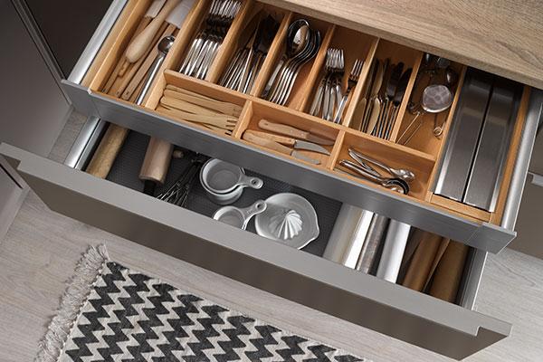 Den richtigen Besteckeinsatz für Ihre Einbauküche finden Sie bei uns